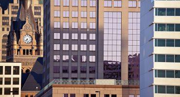 Milwaukee-Building